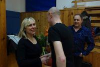 Náš předseda David gratuluje Evě
