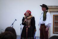 pořad uváděli Eva Zehnalová a Petr Nakládal